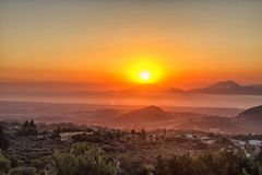 Красивый драматический заход солнца в Kos, Греции Стоковые Фото