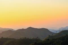 Красивый рассвет в горах стоковое изображение rf