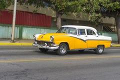 Красивый ретро автомобиль в Кубе Стоковое фото RF