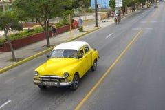 Красивый ретро автомобиль в Кубе Стоковые Фотографии RF