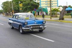 Красивый ретро автомобиль в Кубе Стоковая Фотография RF