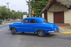 Красивый ретро автомобиль в Кубе Стоковые Фото