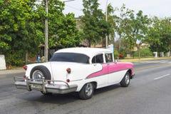 Красивый ретро автомобиль в Кубе Стоковое Фото