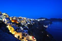 Красивый светлый вечер в городке Oia Стоковое Изображение