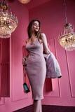 Красивый сексуальный милый mod моды бизнес-леди светлых волос стороны Стоковые Изображения RF