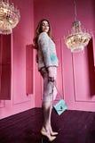 Красивый сексуальный милый mod моды бизнес-леди светлых волос стороны Стоковые Фотографии RF