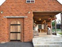 Красивый сельский дом кирпича стоковое фото