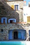 Красивый сельский фасад дома Стоковые Фото