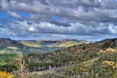 Красивый сицилийский ландшафт, Mazzarino, Кальтаниссетта, Италия, Европа стоковое изображение