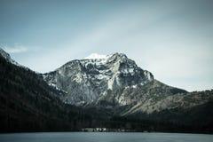 Красивый снег покрыл гору Стоковая Фотография RF