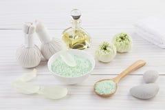 Красивый состав альтернативного skincare с цветком лотоса Стоковые Изображения