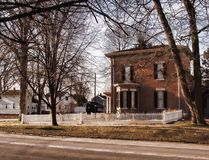 Красивый старый дом кирпича стоковые фотографии rf