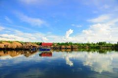 Красивый стороны озера стоковые изображения rf