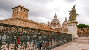 Красивый строб на национальном монументе Виктора Emmanuel в Риме стоковые изображения