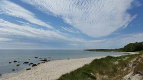 Красивый сценарный пляж, Борнхольм Дания Стоковое фото RF