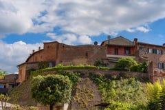 Красивый типичный итальянский дом, Сиена, Италия, Европа стоковая фотография