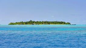 Красивый тропический остров в Мальдивах Стоковое Фото