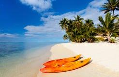 Красивый тропический пляж на экзотическом острове в Тихий Океан Стоковое фото RF