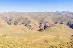 Красивый удаленный ландшафт в средней зоне горы атласа или Марокко, Северной Африке Стоковое Изображение RF
