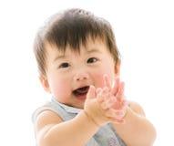 Красивый усмехаясь азиатский младенец стоковые изображения rf