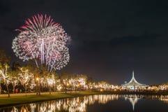Красивый фейерверков в Таиланде стоковые изображения rf