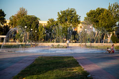 Красивый фонтан в парке, старом городе Бухары, Узбекистане Стоковые Изображения RF