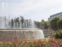Красивый фонтан в площади Catalunya Стоковая Фотография RF