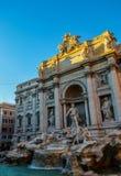 Красивый фонтан Trevi в центральном Риме в Италии стоковое фото