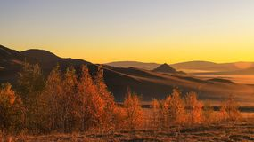 Красивый цвет утра в прерии Внутренней Монголии в Wulanbutong стоковые изображения