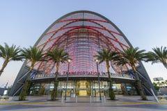Красивый центр перехода Анахайма региональный связанный с использованием различных видов транспорта стоковые изображения