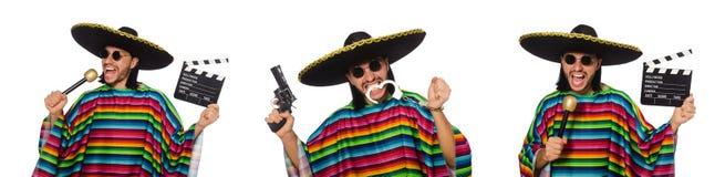 Красивый человек в яркой плащпалате держа maracas изолированный на белизне Стоковые Изображения RF