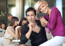 Красивый человек с женщиной Стоковые Фотографии RF