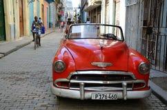 Красивый Шевроле в старой Гаване Стоковая Фотография