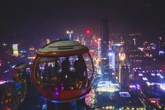 Красивый широкоформатный вид с воздуха ночи района нового городка Гуанчжоу Zhujiang финансового, Гуандуна, Китая с горизонтом и s Стоковое фото RF