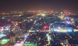 Красивый широкоформатный вид с воздуха ночи района нового городка Гуанчжоу Zhujiang финансового, Гуандуна, Китая с горизонтом и s Стоковая Фотография