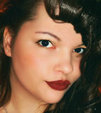 Красивый штырь молодой женщины вверх по портрету стоковое изображение
