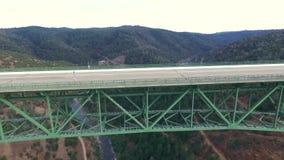 Красивый arial взгляд моста акции видеоматериалы