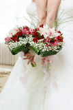 Красивый bridal букет лилий и роз Стоковые Изображения RF