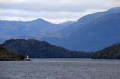 Красивый fiord с горами в национальном парке Higgins ` Bernardo o, Чили стоковые изображения rf