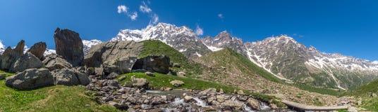Красивый Mountain View от итальянской долины Стоковая Фотография RF