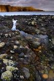 Красивый seascape заводи и утеса Стоковая Фотография