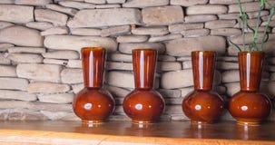 4 красивых керамических застекленных вазы Стоковая Фотография