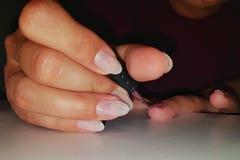 Красить ваши ногти себя стоковые фотографии rf