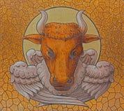 Краска быка как символ St Luke евангелист в церков st Stephens стоковое изображение