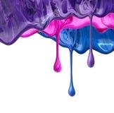 Краска выплеска падений маникюра жидкостная на белизне Стоковые Изображения