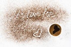 Краска и чашка земного кофе Стоковая Фотография RF