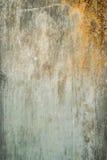 краска металла предпосылки слезая ржавую белизну текстуры стоковые изображения
