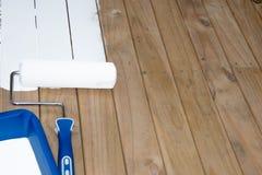 Краска ролика на тимберсе Стоковые Изображения RF