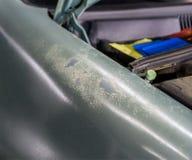 Краска шелушения и политура, неполноценная картина автомобиля Стоковое фото RF