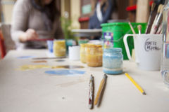 Краски и щетки Стоковая Фотография